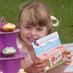 6 Year Old Poppy Hosts 'Right Royal Picnic' To Aid Servicemen