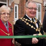 The Mayor opens the new Barrat East Midlands homes development - the spires