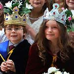 Ashover May Day Carnival Defies The Weather