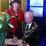 Holocaust Memorial Day Commemorated At Town Hall
