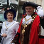 Town Turns Out To See Mayor Parade To Civic Service