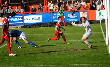 Alfreton were rewarded with a third equaliser in the 80th minute when Clayton pounced on a wayward defensive header from Thomas to stroke the ball past McKeown from six yards