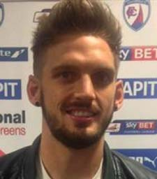It was revealed this morning that Chesterfield have made their first close-season signing, securing the signature of defender Daniel Jones.