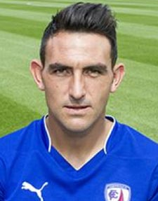 Gary Roberts has left Chesterfield to join Portsmouth after the two clubs agreed an undisclosed fee.