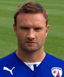Ian Evatt, who began his second spell with Chesterfield two years ago, is now tied to the club until the summer of 2017.
